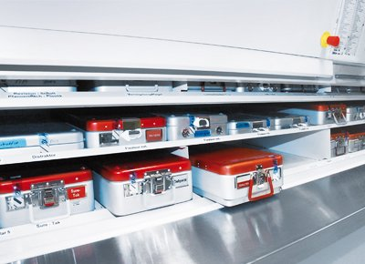 In the Hänel Rotomat® the retrieval of sterile containers takes place at the optimum ergonomic height.